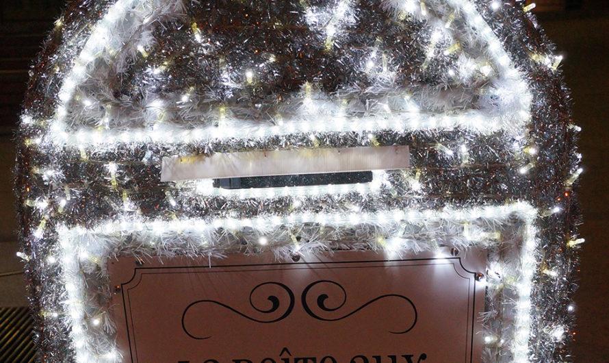 Kerstman met eigen brievenbus